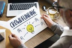 Concetto del grafico della lampadina di affari dei fondi Crowdfunding immagini stock