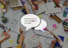 Concetto del grafico di Discussion Community Technology del messaggero immagine stock libera da diritti