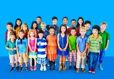 Concetto del gruppo di felicità di diversità dei bambini dei bambini Immagini Stock Libere da Diritti