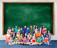 Concetto del gruppo di felicità di diversità dei bambini dei bambini Immagine Stock Libera da Diritti