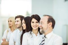 Concetto del gruppo lavoro-professionale di affari del gruppo che sta accanto a ogni altro Fotografia Stock Libera da Diritti