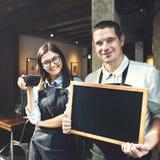 Concetto del negozio di Staff Working Coffee di barista fotografia stock