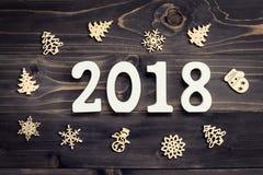Concetto del nuovo anno per 2018: Il legno numera 2018 e il chri del fiocco di neve Immagini Stock Libere da Diritti