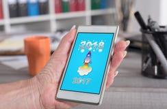 Concetto 2018 del nuovo anno su uno smartphone Immagini Stock
