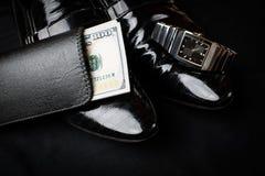 Concetto del signore orologi e scarpe dei dollari del legame Immagine Stock Libera da Diritti