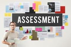 Concetto dell'esame di misura di analisi di verifica di valutazione immagine stock