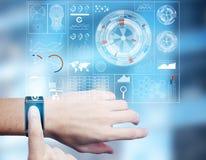 Concetto dell'innovazione, di tecnologia e di analisi dei dati Fotografia Stock