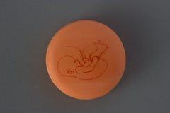 Concetto della compressa del controllo delle nascite immagini stock