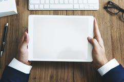 Concetto della compressa di Using Browsing Digital dell'uomo d'affari fotografie stock libere da diritti