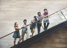 Concetto della cultura della gioventù degli amici dell'adolescente di diversità fotografie stock libere da diritti