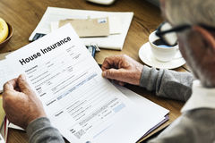 Concetto della forma del documento di assicurazione della Camera Immagini Stock Libere da Diritti