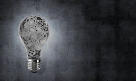 Concetto della lampadina come simbolo di nuova idea Fotografia Stock