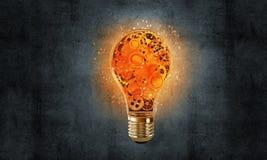 Concetto della lampadina come simbolo di nuova idea Fotografie Stock