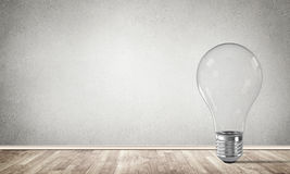 Concetto della lampadina come simbolo di nuova idea Immagine Stock