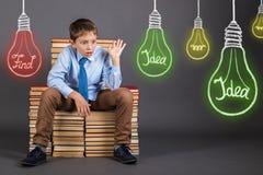Concetto della nascita dei wi di idee, di ricerca, di istruzione e dell'innovazione Fotografia Stock