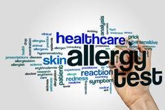Concetto della nuvola di parola della prova di allergia su fondo grigio Fotografia Stock Libera da Diritti