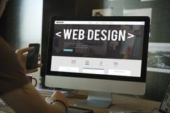 Concetto della pagina del homepage della disposizione di media di Digital di web design fotografia stock libera da diritti