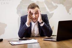 Concetto della rete di Working Laptop Connecting dell'uomo d'affari, affare Fotografia Stock