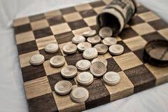Concetto della scacchiera della concorrenza di affari nello sguardo all'antica sbiadito granulare Fotografia Stock Libera da Diritti