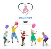 Concetto della scuola materna di affetto di comodità di addestramento del bambino immagine stock