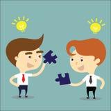 Concetto della soluzione di affari Un successo di due businessmans con l'idea a Immagini Stock