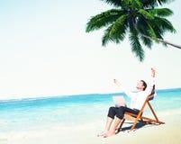 Concetto della spiaggia di Relax Working Summer dell'uomo d'affari Fotografie Stock