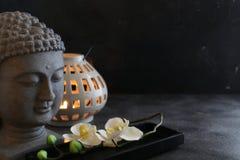 Concetto della stazione termale della candela del witn di Buddah Immagine Stock
