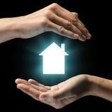 Concetto della vendita, dell'affitto, dell'assicurazione e della protezione del bene immobile Fotografie Stock Libere da Diritti