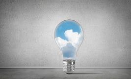 Concetto delle innovazioni di Eco per mezzo della lampadina Immagine Stock Libera da Diritti