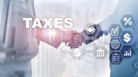 Concetto delle tasse pagate dagli individui e dalle società quale l'imposta sul patrimonio del tino, di reddito e Pagamento di im immagini stock