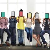Concetto dello spazio della copia di tecnologia della rete della compressa di Digital della gente Immagini Stock