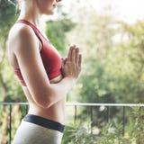 Concetto di addestramento di posa di pratica di yoga della donna immagine stock libera da diritti