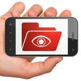 Concetto di affari: Cartella con l'occhio sullo smartphone Fotografia Stock