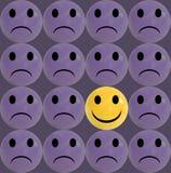 Concetto di affari come gruppo degli emoticon tristi porpora e con uno singolo smiley giallo Immagini Stock