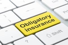 Concetto di assicurazione: Assicurazione obbligatoria sul fondo della tastiera di computer Fotografia Stock