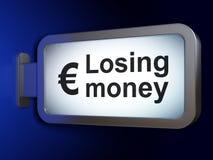 Concetto di attività bancarie: Soldi e euro perdenti sul fondo del tabellone per le affissioni Fotografia Stock
