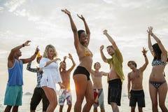 Concetto di attività di svago di vacanza di libertà del partito della spiaggia fotografie stock libere da diritti