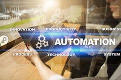 Concetto di automazione come innovazione, migliorante produttività, affidabilità nella tecnologia ed i processi aziendali Immagine Stock Libera da Diritti