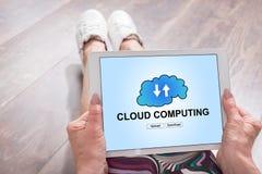 Concetto di calcolo della nuvola su una compressa Immagine Stock