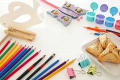 Concetto di celebrazione di Purim & x28; holiday& ebreo x29 di carnevale; Mascheri gli accessori di svago e della pittura del mat Fotografie Stock