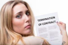Concetto di cessazione di impiego con la donna bionda Fotografie Stock Libere da Diritti