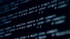 Concetto di cibercrimine Sistema informatico nell'ambito dell'attacco Schermo di computer con l'incisione del messaggio di avviso archivi video