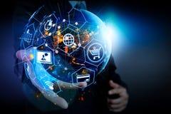Concetto di commercio elettronico con l'interfaccia digitale di VR con le icone di shopp fotografia stock