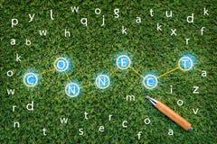 Concetto di CONNCET con l'alfabeto su erba verde jpg Immagine Stock
