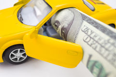 Concetto di costo dell'automobile, macro fotografia stock libera da diritti