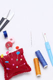 Concetto di cucito degli strumenti, di adattamento e di modo Fotografie Stock Libere da Diritti