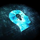 Concetto di dati: Lampadina di Whis della testa su fondo digitale Immagine Stock