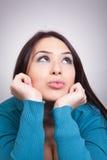 Concetto di Daydream - donna abbastanza desiderosa Fotografia Stock Libera da Diritti