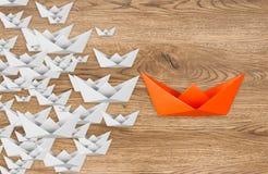 Concetto di direzione con la barca di carta Immagini Stock Libere da Diritti