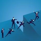 Concetto di direzione di affari Uomini d'affari principali attraverso alla sfida di Gap Fotografia Stock